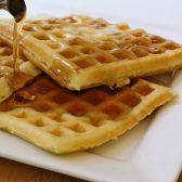 Waffles-tradicionales-con-miel